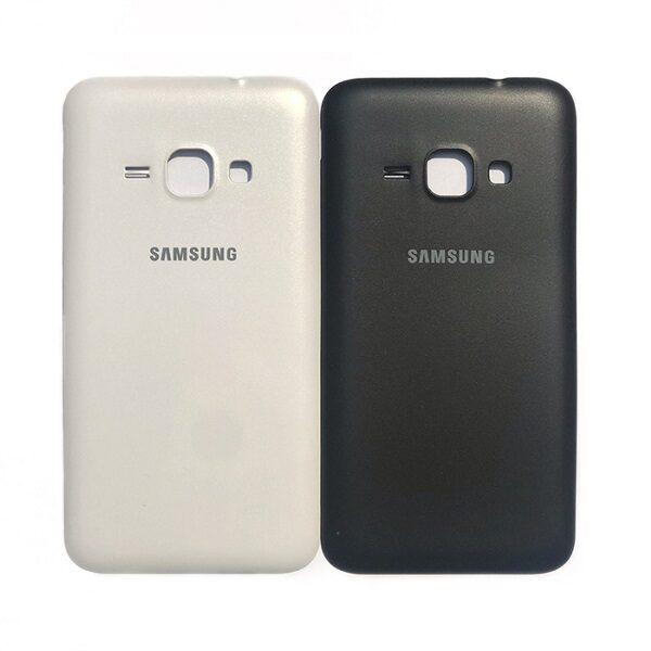 در پشت سامسونگ جی یک 2016 (Samsung Galaxy J1 2016 (SM-J120